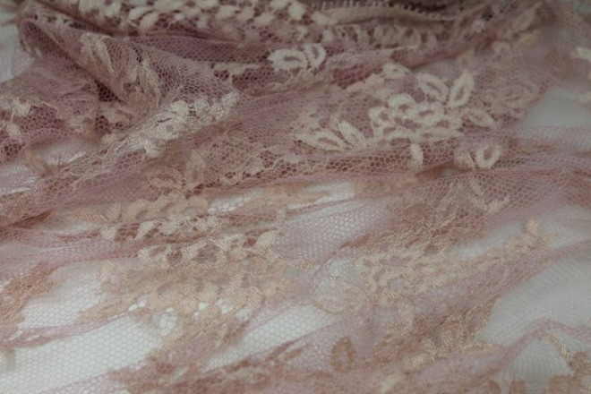Pink/Rose Chantilly Lace
