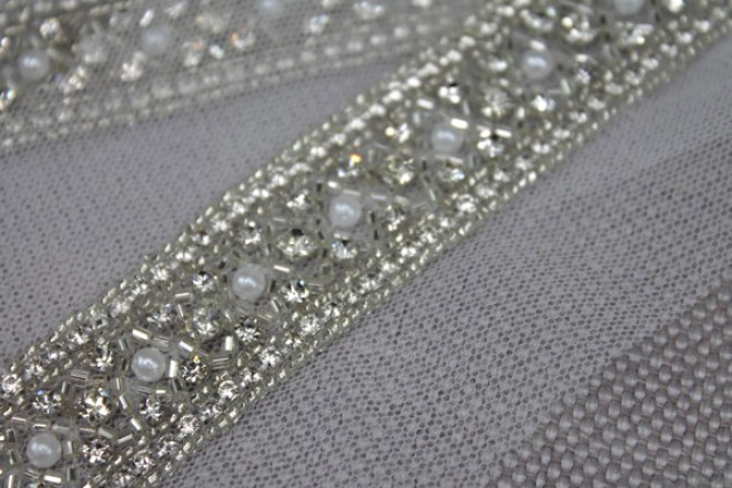 """Wide """"Criss Cross"""" Seed Bead and Diamante Trim in Silver"""