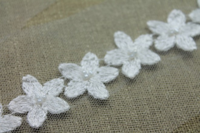 Flower Chain Embroidered Tulle Trim - Ivory - Small