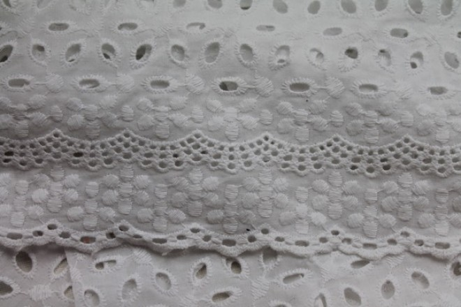 Scalloped Broderie Anglaise - Offwhite