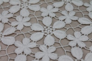 Crochet Style Lace - Large and Small Daisy design