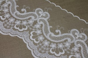 Vintage Embroidered Tulle Trim - Ivory