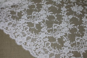 Beaded Corded Scroll Border Leavers Lace - Ivory Double Scallop